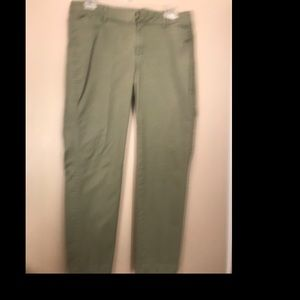 Old Navy Pixie Pants Olive Green size 8